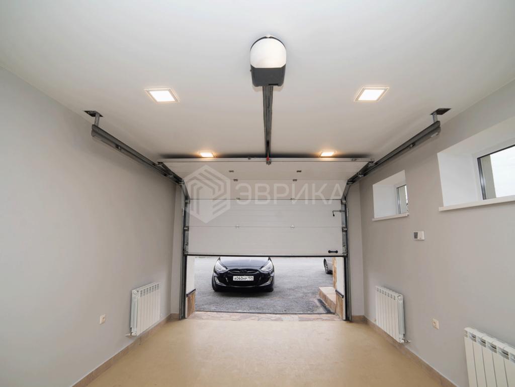 натяжной потолок в гараж