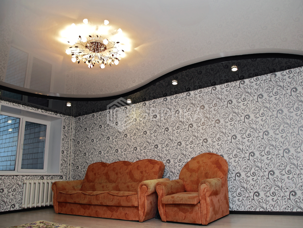 двухуровневый натяжной потолок в зал глянец