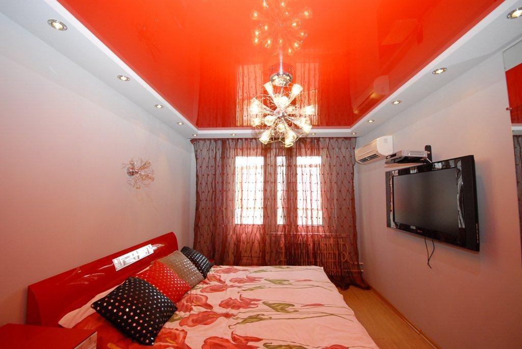 Красный двухуровневый натяжной потолок