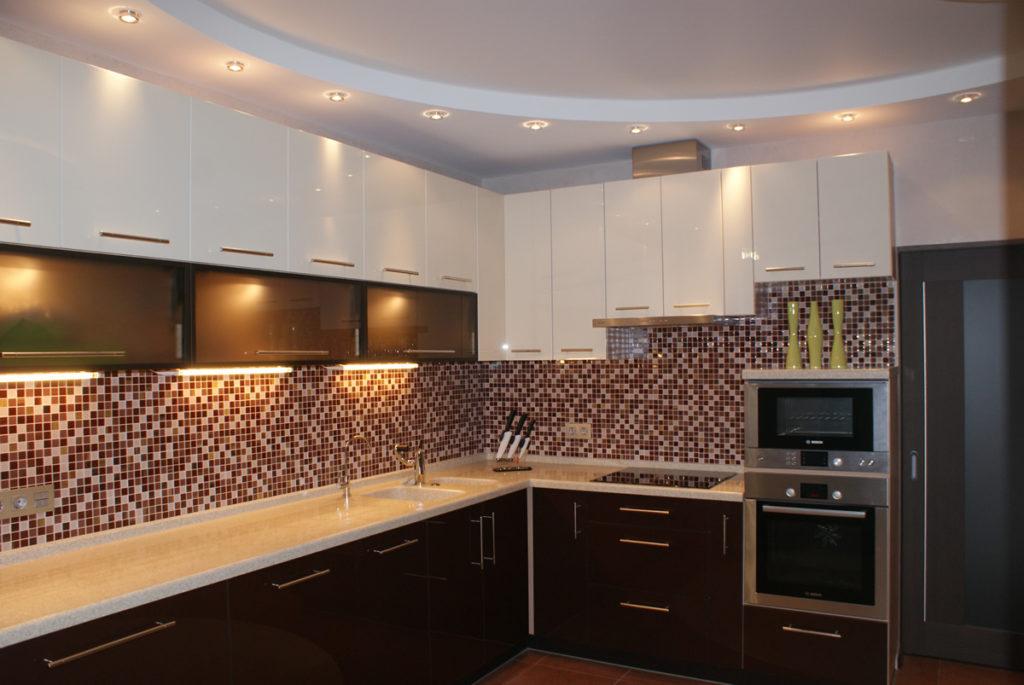 Сатиновый потолок на кухню