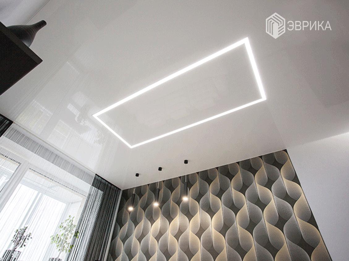 натяжной потолок со световой линией в спальне