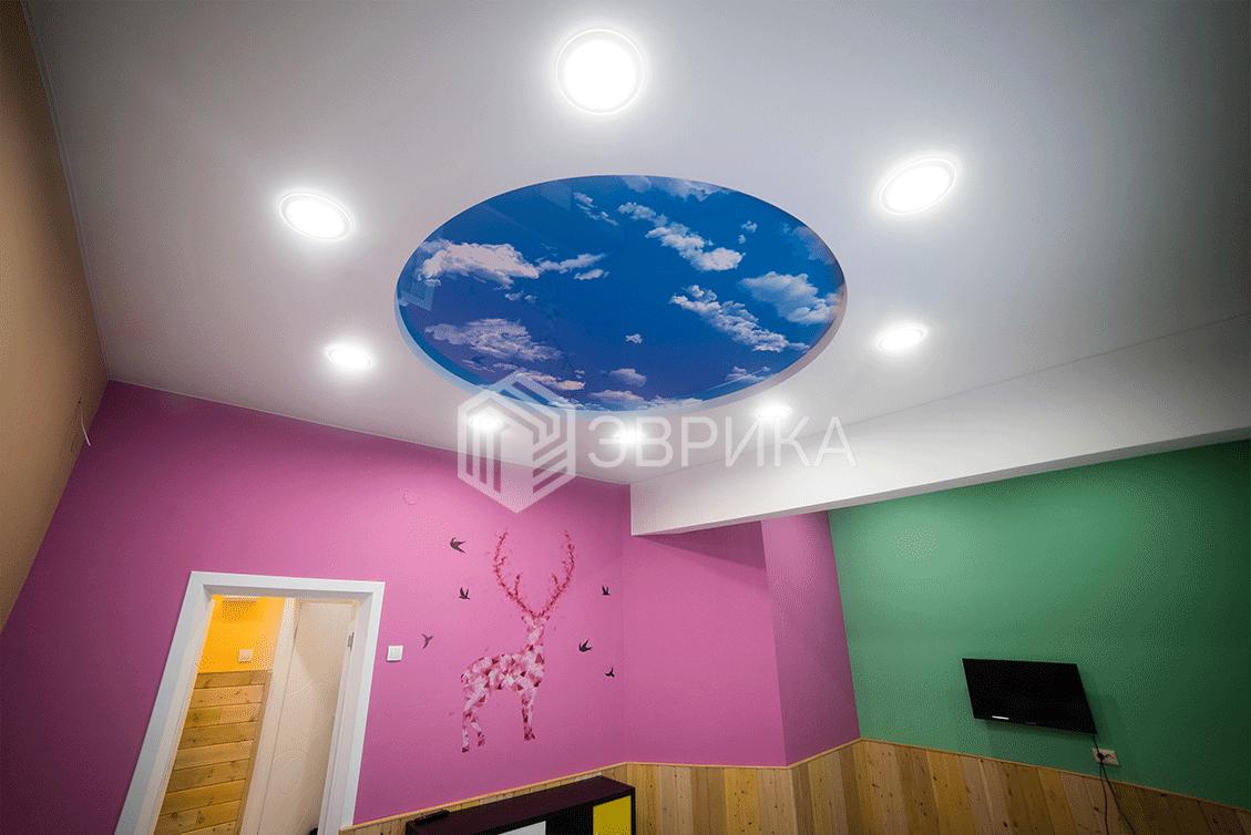 круглый двухуровневый натяжной потолок в детскую